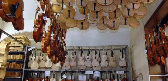 IPIALL-Stradivari
