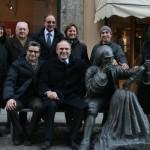 statua-stradivari-e-gruppo