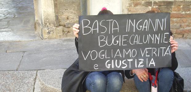 Protesta-davanti-al-tribunale