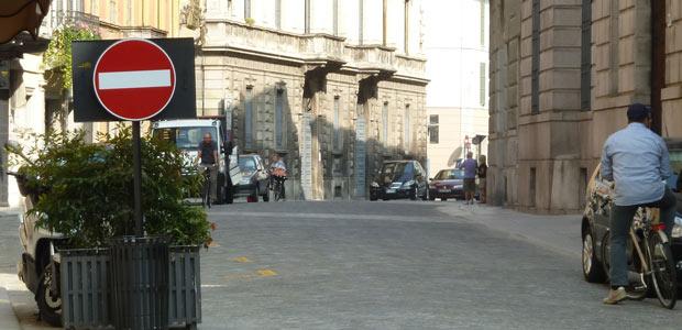 bici-contromano-in-città