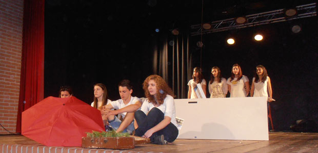ghisleri-teatro-piedi-sul-palco