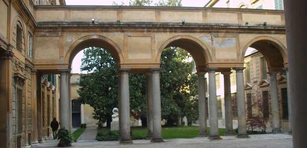 Cremona,_museo_civico,_cortile