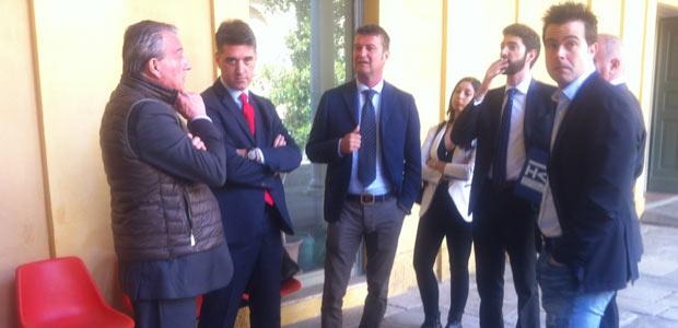 Gli avvocati delle difese e delle parti civili con Bracciali (l'ultimo a destra)
