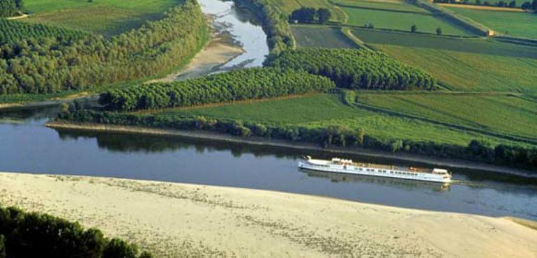 Navigazione turistica sul fiume Po