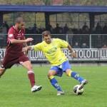 Guidetti-difende-il-pallone