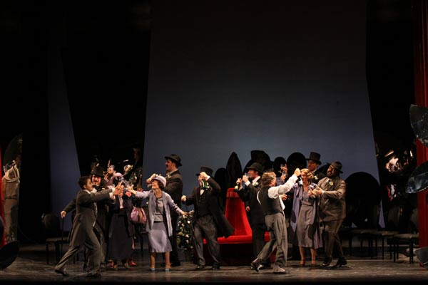 Il Cappello di Paglia di Firenze venerdì 4 al Teatro Ponchielli ... 1f125f8e7c3e