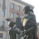 statua-stradivari-piazza-stradivari