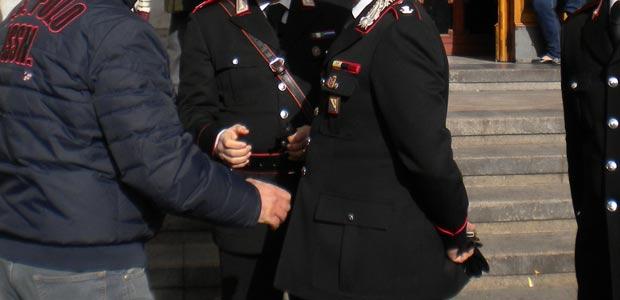 Carabiniere-arresta-ladra