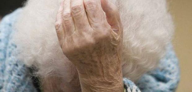 anziana-sola