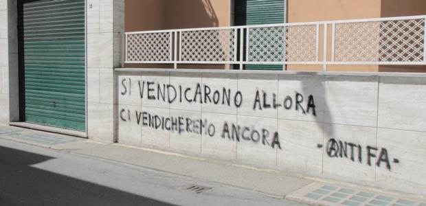 Scritte Antifasciste Contro Sede Casa Pound Muri Puliti Dai