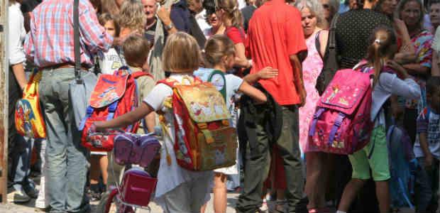 7ee41aeaf1 Guerra agli zaini troppo pesanti sulle spalle dei bambini di scuole  primarie e medie inferiori. Con una circolare di quattro pagine, datata 21  settembre, ...