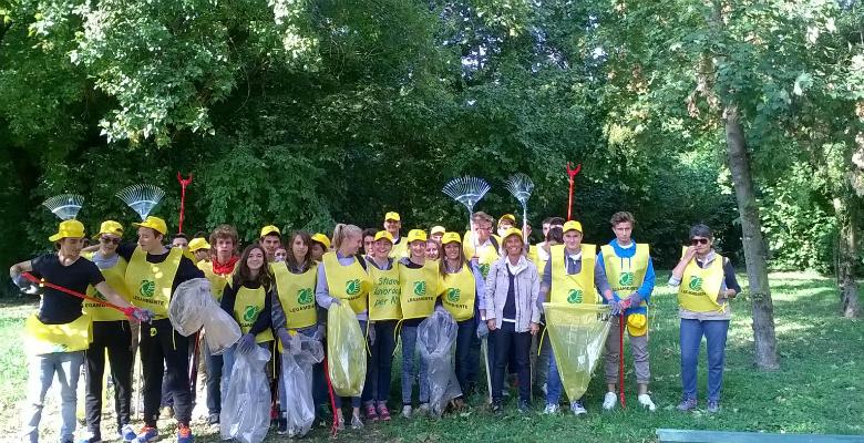 Tre giorni di iniziative per 39 puliamo il mondo 39 coinvolti for Tre giorni per il giardino 2017