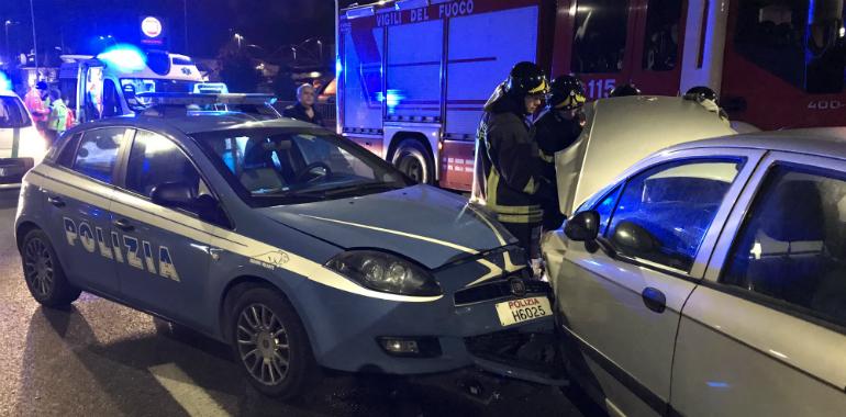 Auto contromano in tangenziale finisce contro volante - Foto della polizia citazioni ...