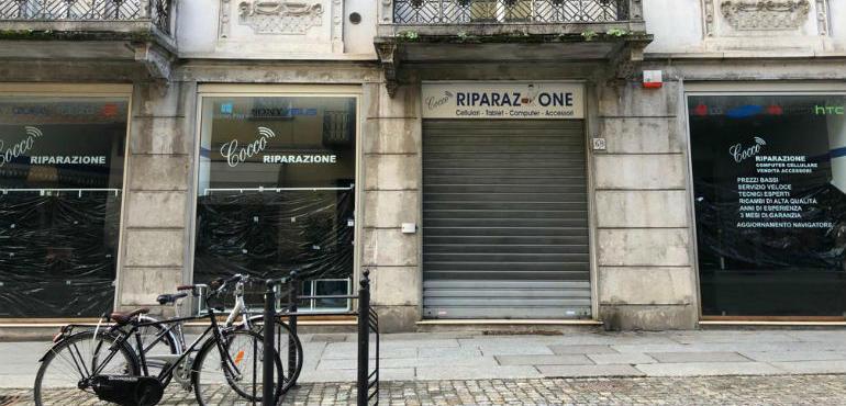 brand new f61db afea0 C.Garibaldi - Chinatown: quattro vetrine per riparatori di ...