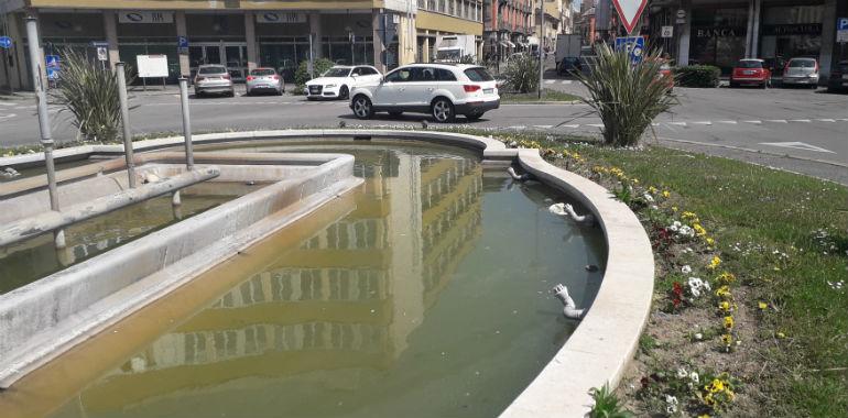 La vasca di piazza cadorna come uno stagno manutenzione for Vasca per stagno