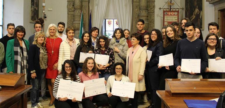 enorme inventario vari stili professionale più votato Ecco le vincitrici del concorso 'Gherardo da Cremona'. A 19 ...